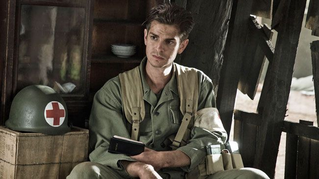 andrew-garfield-chang-can-dep-trai-chet-nguoi-nguoi-ta-van-phai-do-guc-vi-anh-day-thoi-4