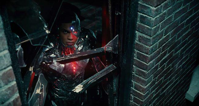 justice-league-phat-hanh-trailer-moi-he-lo-nhung-hinh-anh-dau-tien-ve-nhan-vat-phan-dien-steppenwolf-8