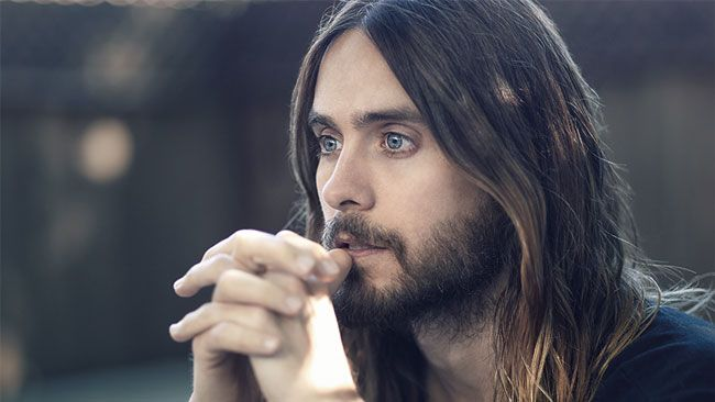 jared-leto-thu-vai-chinh-trong-bo-phim-noi-ve-cuoc-doi-ong-trum-playboy-1
