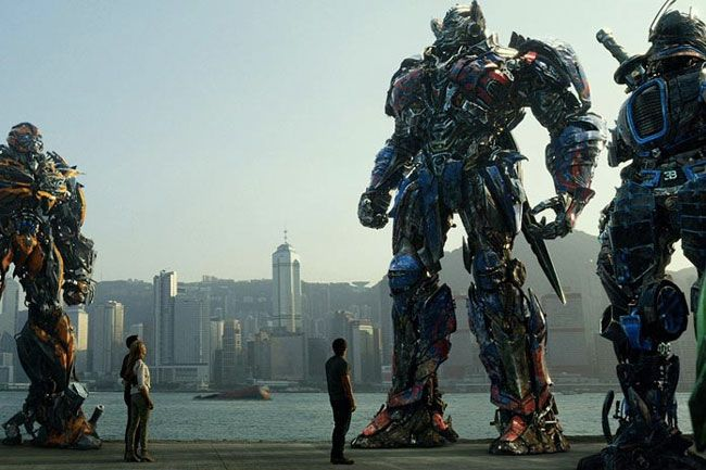 transformers-the-last-knight-qua-bom-xit-lon-nhat-nam-2017-3