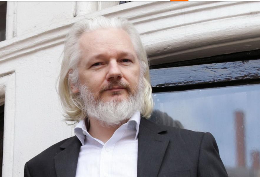 Ông lớn Julian Assange - nhân vật được chuyển thể trong The Fifth Estate