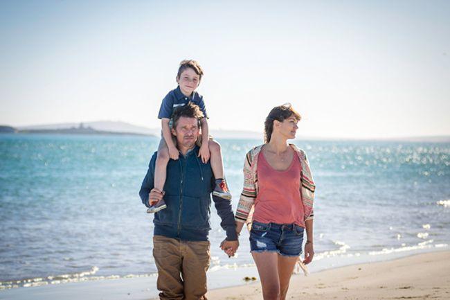 Gia đình hạnh phúc của Travis trước đó