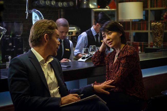 Travis và nữ đặc vụ Interpol trong phim