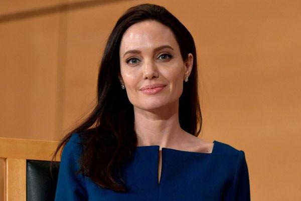 Angelina Jolie đang là đích ngắm số 1 của nhà sản xuất phim X - Men 2018