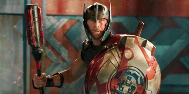 Chris Hemsworth đã được trông thấy tại phim trường tuần trước