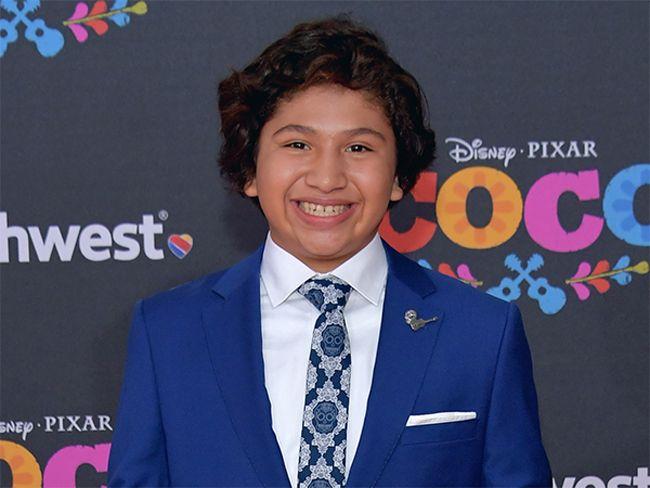 Anthony Gonzalez lồng tiếng cho nhân vật Miguel