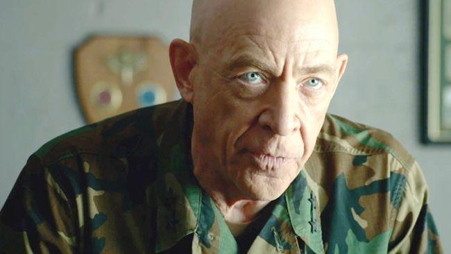 Vai diễn tổng tư lệnh quân đội của J.K. Simmons