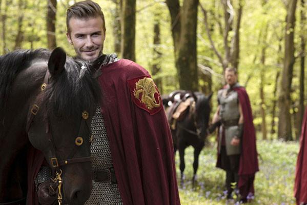 Tạo hình của cầu thủ điển trai David Beckham trong phim