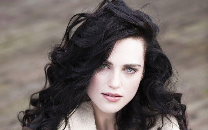 Vẻ đẹp quyến rũ của nữ diễn viên Annabelle Wallis