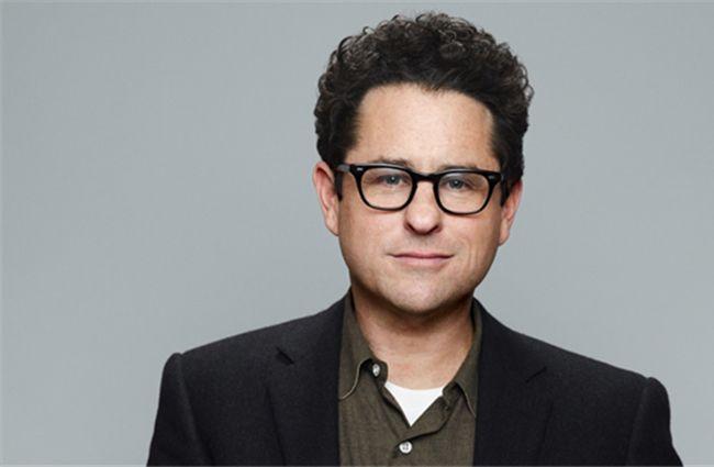 Đạo diễn J.J Abrams được lựa chọn thay thế Colin Trevorrow