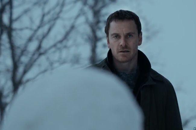 The Snowman bộ phim về kẻ sát nhân giấu mặt sau lớp mặt nạ người tuyết