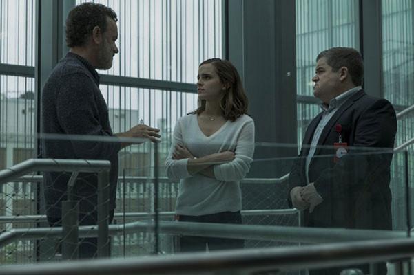 Emma Watson đóng cặp cùng nam diễn viên gạo cội Tom Hanks