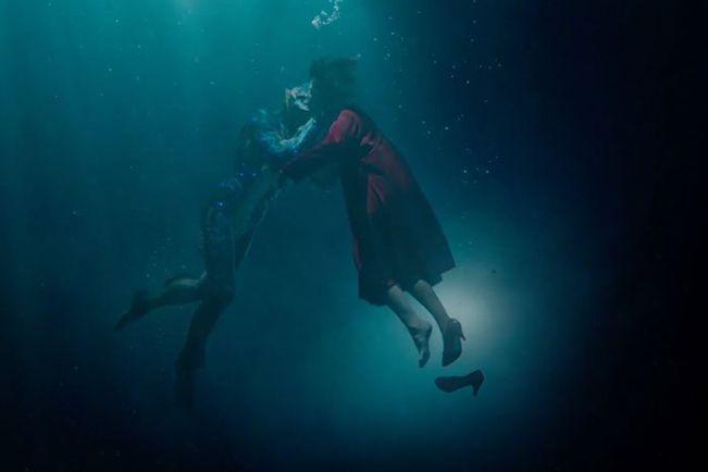 The Shape of Water là mối tình giữa thủy quái và cô gái câm