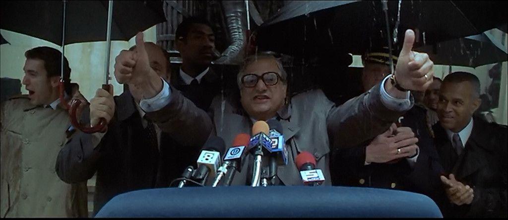 Nhà phê bình Roger Ebert bị chế giễu trong phim Godzilla