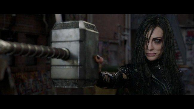 Lúc đầu cảnh Hela diễn ra trong con hẻm tại thành phố New York