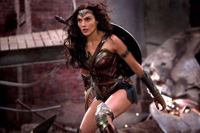 Wonder Woman là người cầm trịch của những trận chiến