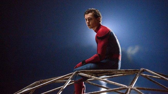 Spider-Man sẽ không được công chiếu cho tới hết tháng 7