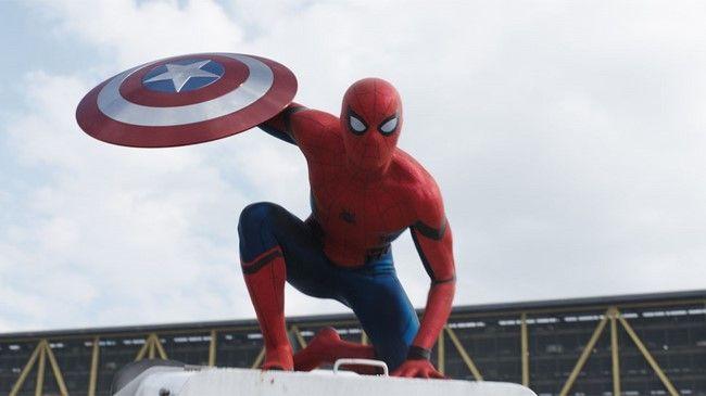 Sau màn xuất hiện ấn tượng Peter Parker đang trở thành con cưng của Marvel