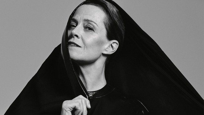 Nữ diễn viên gạo cội Sigourney Weaver tiết lộ lý do Avatar kéo dài thêm 4 phần nữa