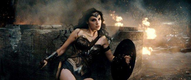 Wonder Woman đang là phim có doanh thu nội địa cao thứ 3 trong tất cả các phim của hãng Warner Bros