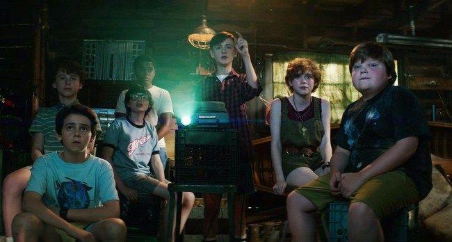 Trong bản  điện ảnh nhóm The Loser Club đánh bại IT bằng niềm tin, sự dũng cảm và tình bạn