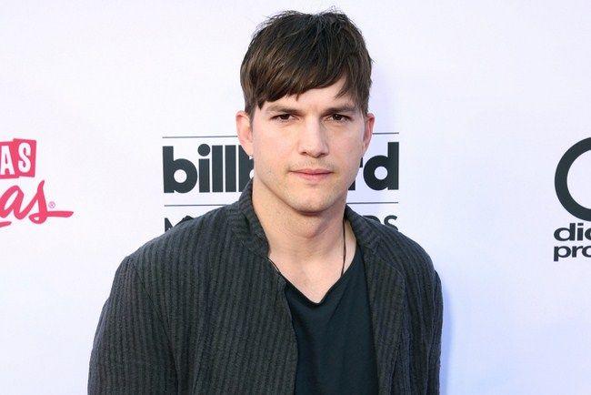 Không chỉ bỏ lỡ Batman, Ashton Kutcher còn bỏ lỡ cả Superman