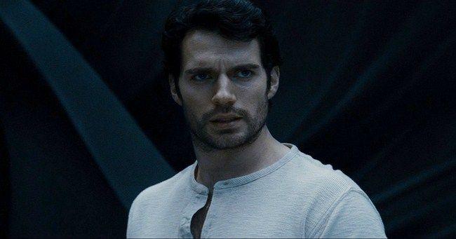 Đáng lẽ Henry Cavill đã trở thành Superman từ rất lâu rồi