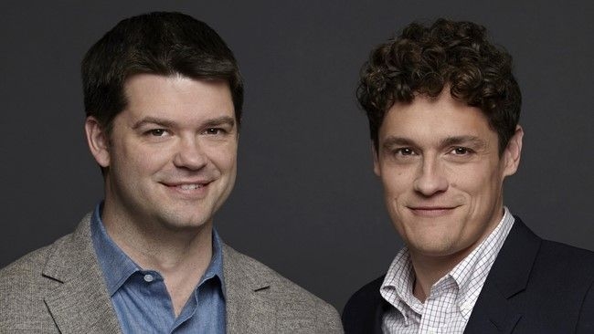 Chris Lord và Phil Miller là 2 đạo diễn đầu tiên rút khỏi dự án The Flash