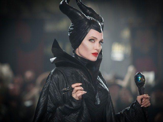 Angelina Jolie cũng xác nhận sẽ quay trở lại với vai diễn Maleficent