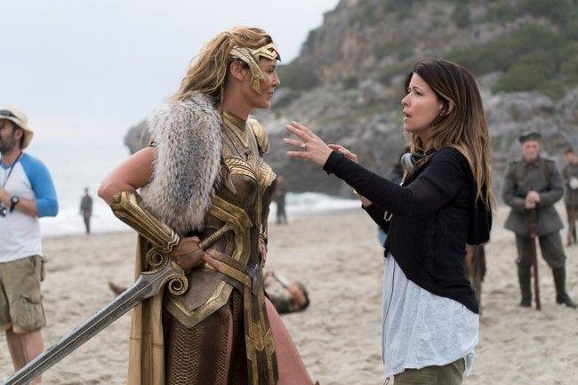 Patty Jenkins sẽ tiếp tục quay trở lại vị trí đạo diễn của Wonder Woman 2