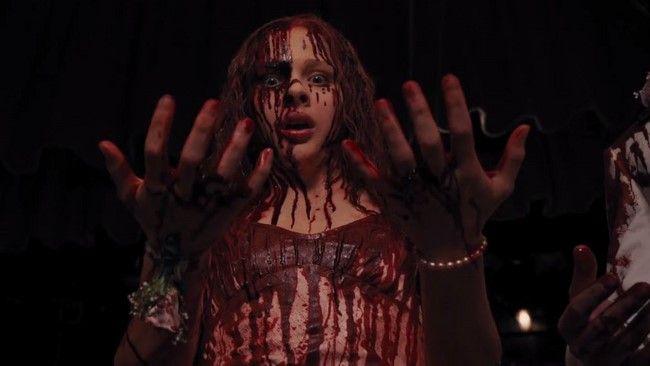 Carrie 2013 không hề tệ nhưng cái bóng của bản phim gốc lại quá lớn