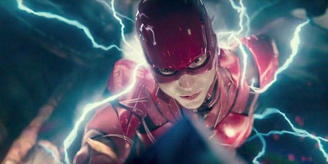 Các cảnh phô slow motion phô diễn sức mạnh của Flash vô cùng hấp dẫn