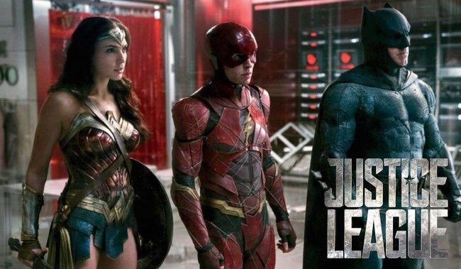 Cảnh Flash ngã lên người Wonder Woman là cảnh phim khó quên nhất của Justice League