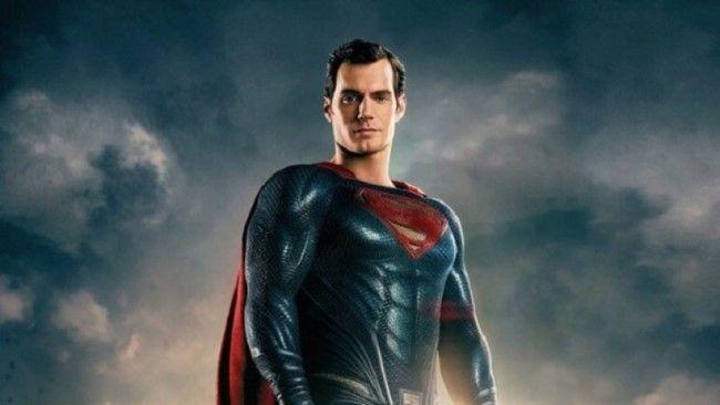 Superman xuất hiện ngay đầu phim với hình ảnh chỉnh sửa CGI gây tranh cãi bấy lâu
