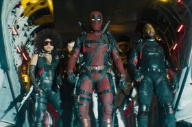 review-deadpool-2-ca-the-gioi-nay-la-de-anh-choi-dua